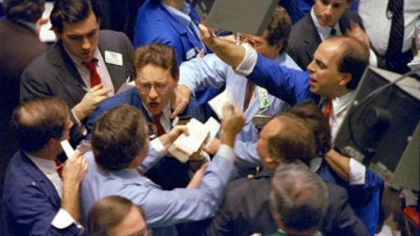 NYSE traders during the 1987 crash (AP Photo/Peter Morgan)