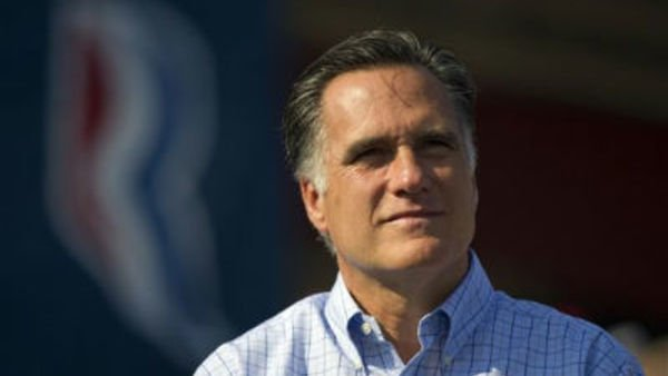 Neither Romney or Obama has an advantage on health care and Medicare, a new poll finds. (AP Photo/Evan Vucci)