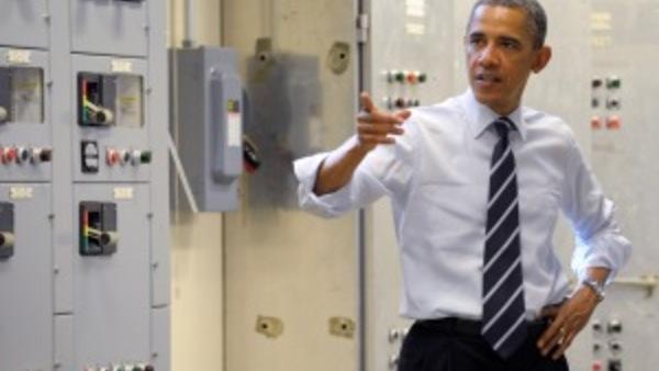President Obama visits an IBEW training center. (AP photo/Susan Walsh)
