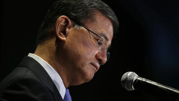 Veterans Affairs Secretary Eric Shinseki pauses while speaking at a meeting of the National Coalition for Homeless Veterans Friday in Washington. (AP Photo/Charles Dharapak)