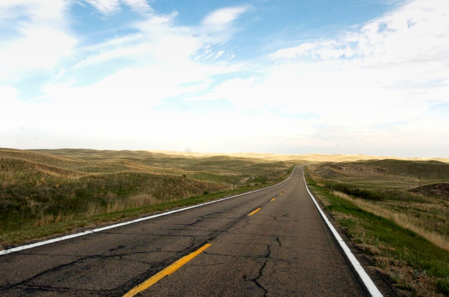 A road through Nebraska's sand hills (photo:AP)