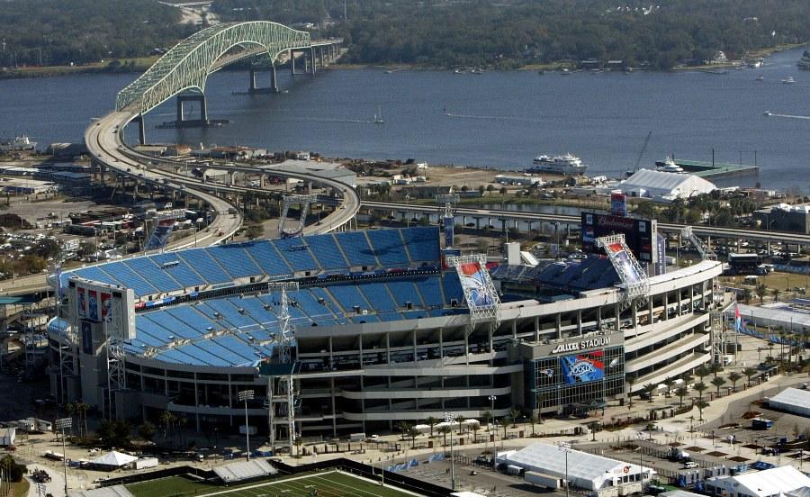 Jacksonville and stadium (photo: AP)