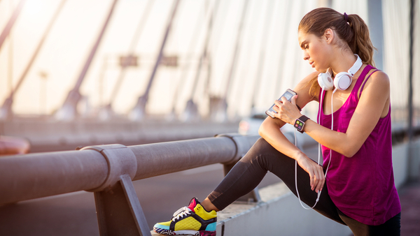 Are our Fitbits and Jawbones really helping us lose weight? Or should more emphasis be put on diet? (Photo: iStock)