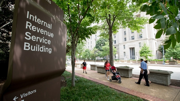 Here are the IRS new tax brackets and thresholds for 2017. (Photo: AP)