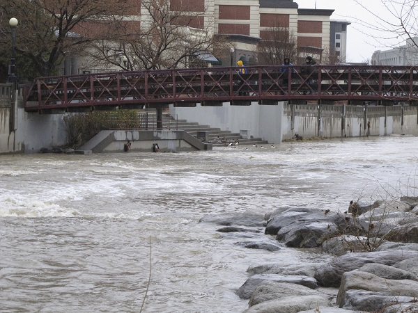 Most of those moving to Nevada, including Reno and its Truckee River, seen here, are 65 and over. (Photo: AP)