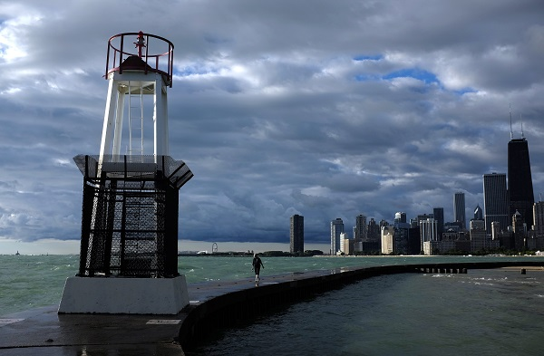 People are leaving Chicago, and Illinois overall, perhaps, because of massive budget cuts and public pension troubles. (Photo: AP)