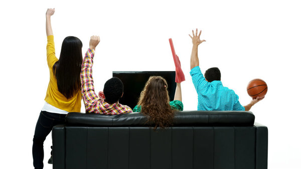 A majority of employee says watching and celebrating sports in the office improve employee morale. (Photo: iStock)