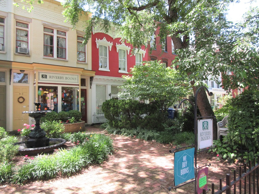 Washington, D.C. has many cute neighborhoods -- and high housing costs. (Photo: AP)