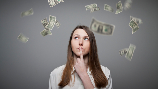 Women are more likely than men to lack confidence in making financial decisions. (Photo: iStock)