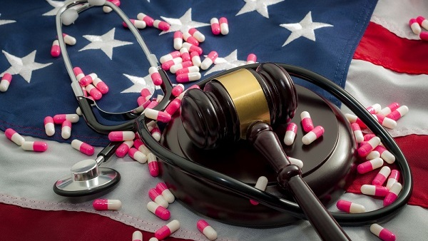 Under the legislation proposed by Vermont Senator Bernie Sanders, every U.S. household would receive comprehensive coverage in a publicly funded program. (Photo: Shutterstock)