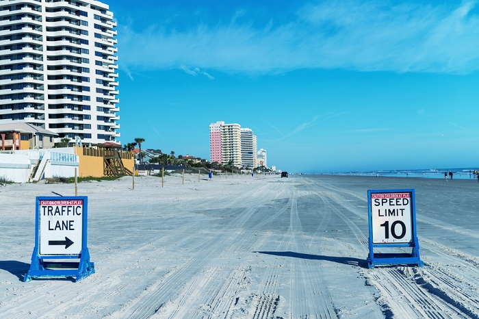 Daytona Beach made the top 10 best places to retire list, which is especially fine if you love NASCAR racing. (Photo: Shutterstock)