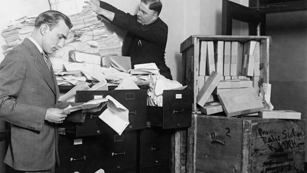 Here's a quiz on the history of employee benefits -- but first, do you think these Federal Radio Commission workers in 1929 had benefits? (Photo: Shutterstock)