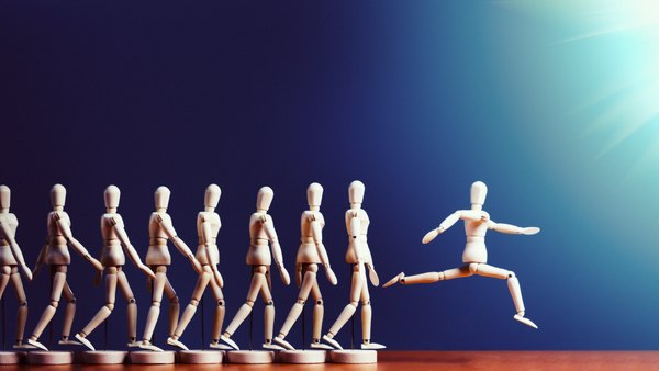 Modeling figures with one jumping