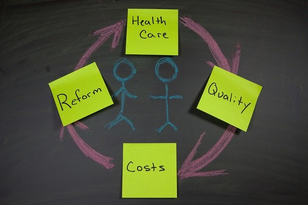 Post-it notes with health reform cycle