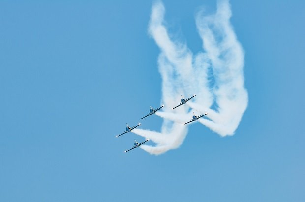 5 jets in formation