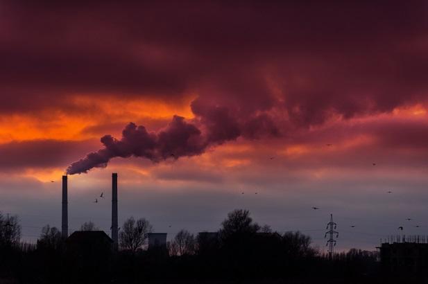 coal power plant smokestacks