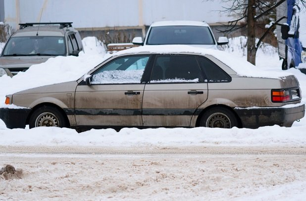 older car sitting in snow