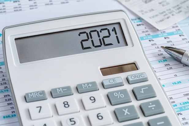 calculator on bills and number window says 2021