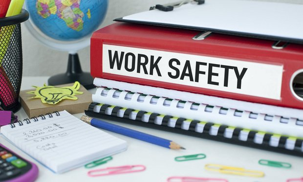 Here are a few 2020 resolutions that can help improve workplace safety. (Photo: Shutterstock)