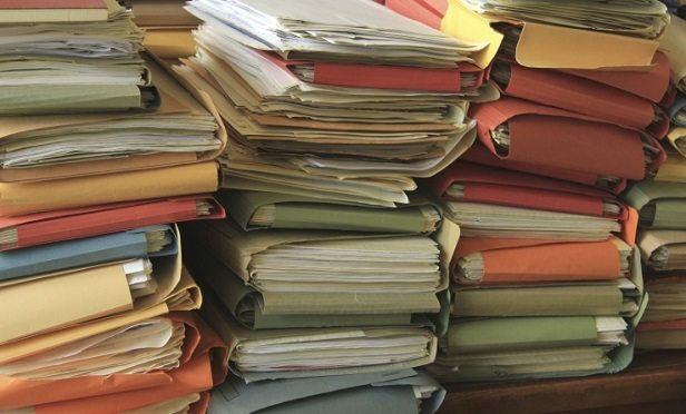 Stuffed folders (Photo: Thinkstock)